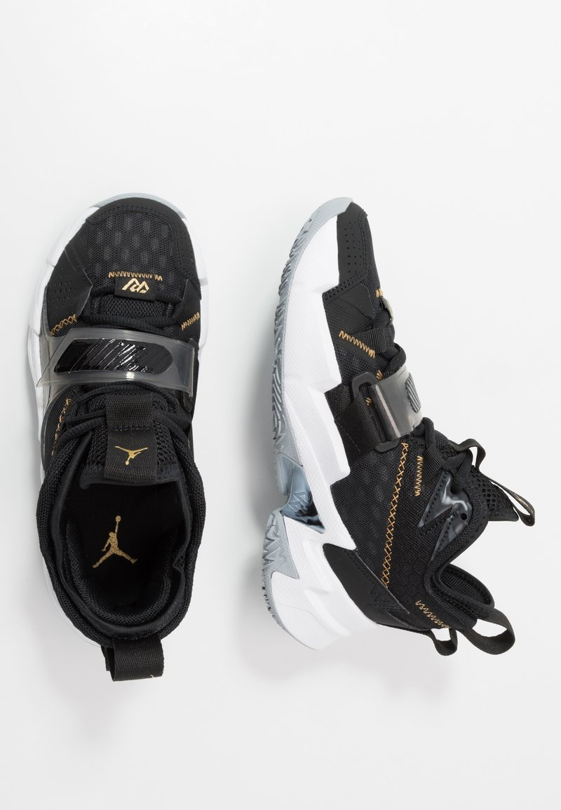 Jordan - WHY NOT ZER0.3 - Zapatillas de baloncesto - black/metallic gold/white