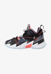 Jordan - WHY NOT ZER0.3 - Basketbalové boty - black/bright crimson/cement grey/white - 1