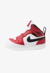 Jordan - JORDAN 1 - Basketball shoes - white/black/varsity red - 1