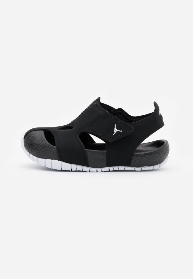 FLARE  - Zapatillas de baloncesto - black/white