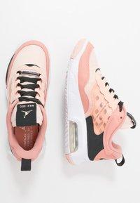 Jordan - MAX 200 - Obuwie do koszykówki - washed coral/dark smoke grey/pink quartz - 0