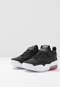 Jordan - MAX 200  - Sportovní boty - black/gym red/white - 4