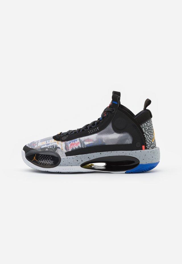 AIR XXXIV - Sneaker low - black/orange