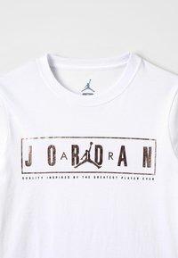 Jordan - BLING - Triko spotiskem - white - 3