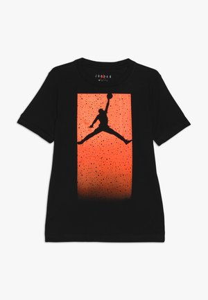 BOX SPECKLE FADE TEE - T-shirts med print - black/total orange