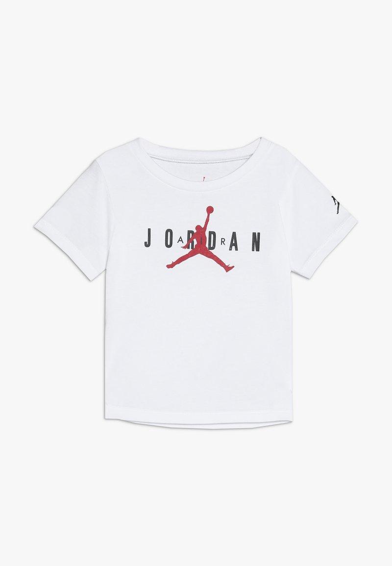 Jordan - BRAND TEE  - Camiseta estampada - white