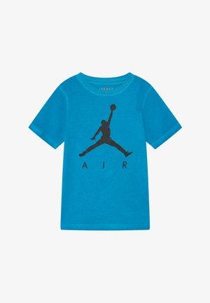 COURT VISION TEE - Print T-shirt - equator blue