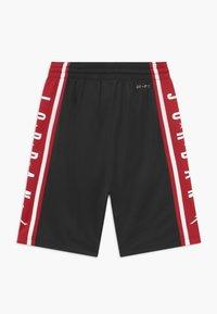 Jordan - Pantalón corto de deporte - black - 1