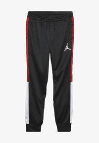Jordan - SIDELINE JOGGER - Spodnie treningowe - black - 2