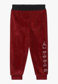Jordan - JUMPMAN OUTLINE CREW - Survêtement - gym red - 2
