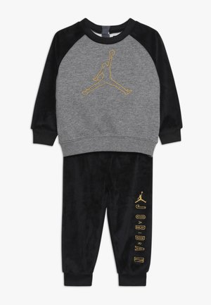 JUMPMAN OUTLINE CREW - Verryttelypuku - black