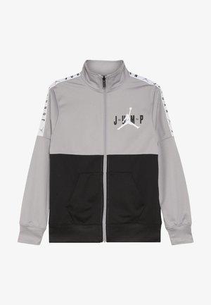 JUMPMAN SIDELINE TRICOT JACKET - Chaqueta de entrenamiento - atmosphere grey