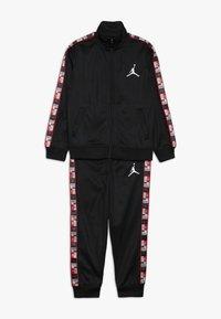 Jordan - LEGACY TRICOT PANT SET - Tracksuit - black - 0