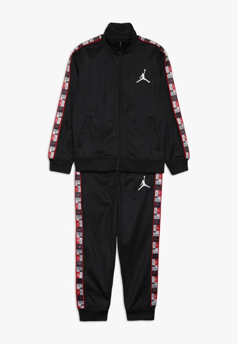 Jordan - LEGACY TRICOT PANT SET - Tracksuit - black