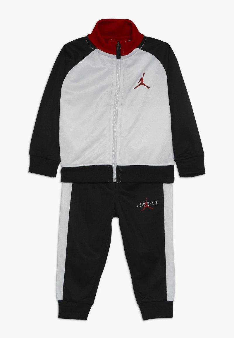 Jordan - JUMPMAN TRICOT PANT SET - Träningsset - black