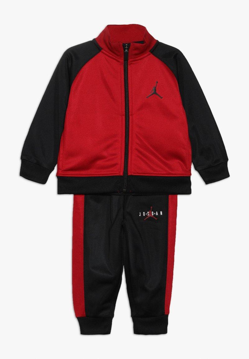Jordan - JUMPMAN TRICOT PANT SET - Tepláková souprava - black/gym red