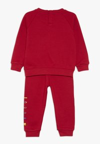Jordan - CREW JOGGER SET - Survêtement - gym red - 1