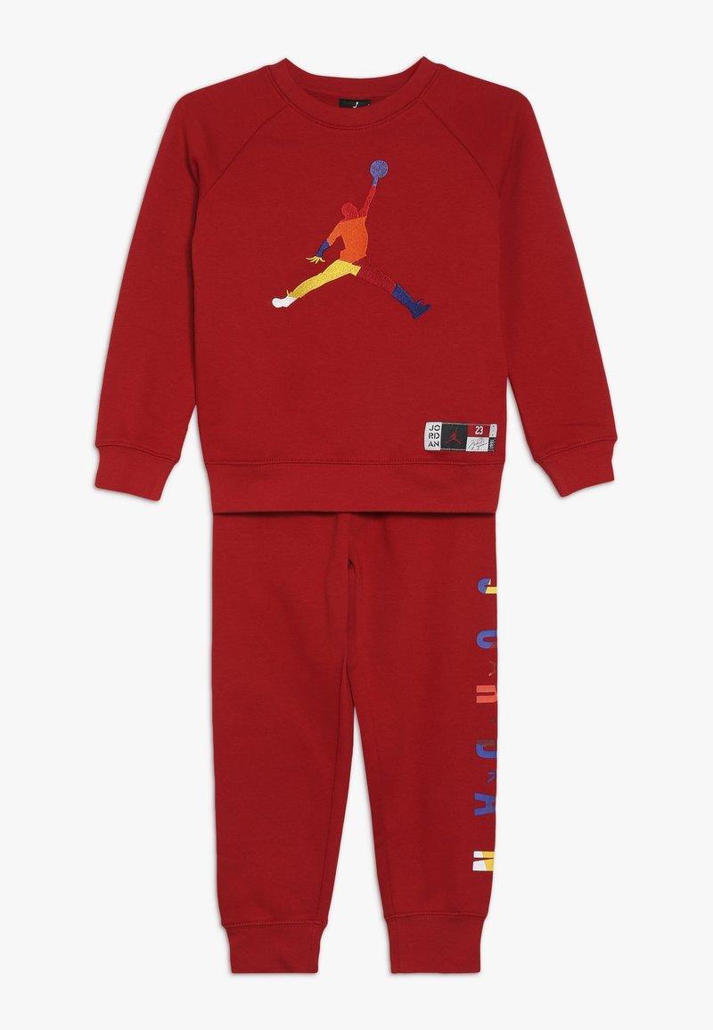 Jordan - CREW JOGGER SET - Trainingsanzug - gym red