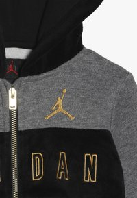 Jordan - HOODED OUTLINE JOGGER - Survêtement - black - 5