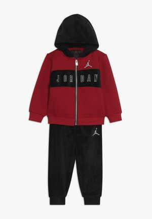 HOODED OUTLINE JOGGER - Tuta - black/gym red