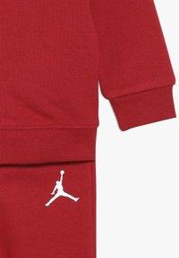 Jordan - JUMPMAN AIR SET - Chándal - gym red - 3
