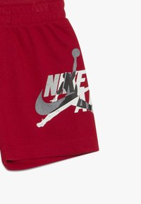 Jordan - JUMPMAN CLASSIC TEE SET - Short - gym red - 4