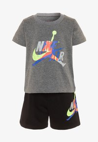 Jordan - JUMPMAN CLASSIC TEE SET - Shorts - black - 0