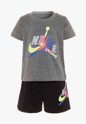JUMPMAN CLASSIC TEE SET - Shorts - black