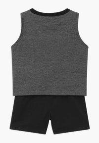 Jordan - HALF COURT MUSCLE SET - Sports shorts - black - 1