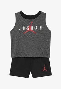 Jordan - HALF COURT MUSCLE SET - Sports shorts - black - 3