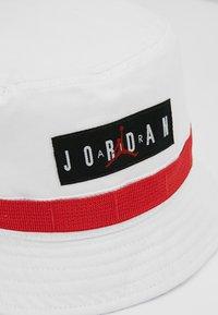 Jordan - UTILITY BUCKET HAT - Klobouk - white - 2