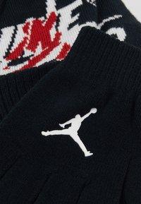Jordan - JUMPMAN CLASSICS POM BEANIE SET - Sormikkaat - black - 2