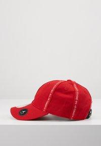 Jordan - REVERSAL - Cap - gym red - 4