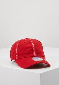 Jordan - REVERSAL - Cap - gym red - 0