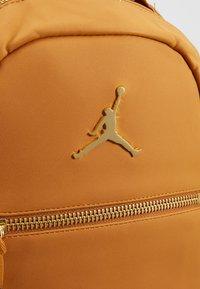 Jordan - COLLAB PACK - Reppu - desert ochre - 7