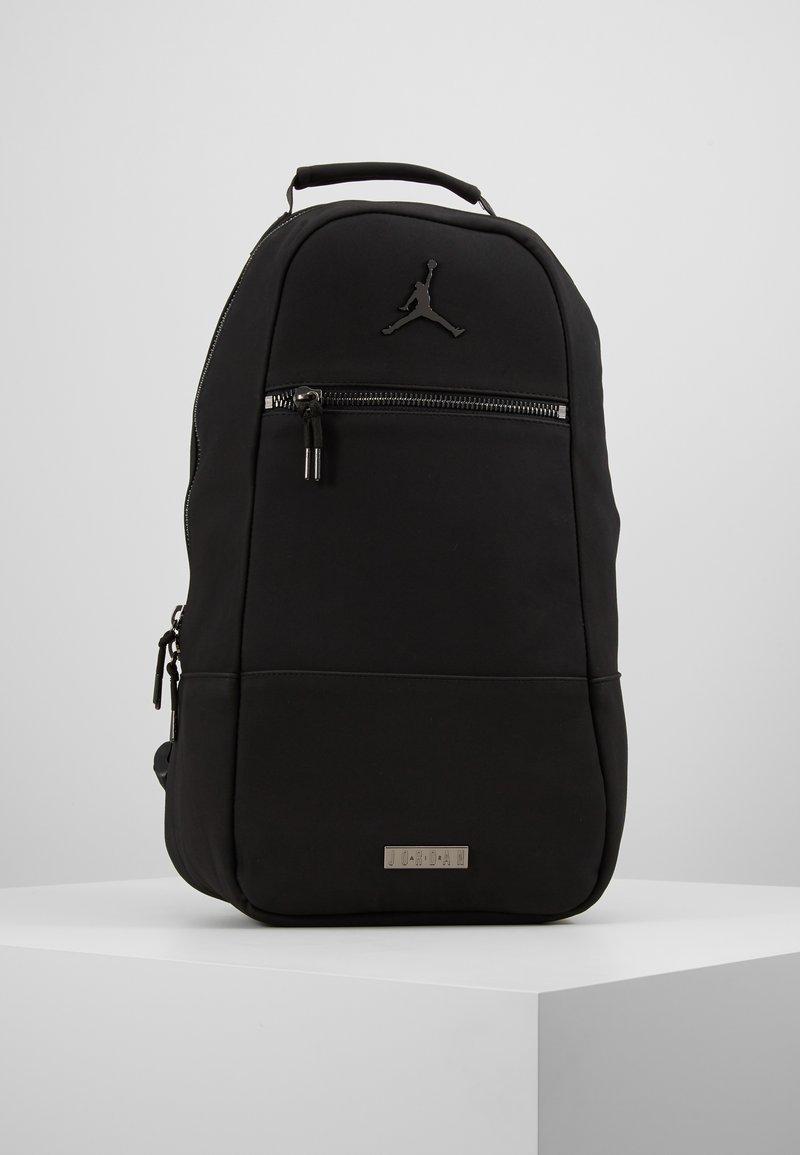 Jordan - COLLAB PACK - Reppu - black