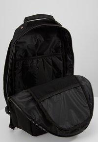 Jordan - COLLAB PACK - Reppu - black - 4