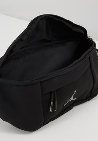 Jordan - SUEDE AIR CROSSBODY - Ledvinka - black - 4