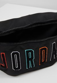 Jordan - CROSSBODY - Riñonera - black/multicolored - 4