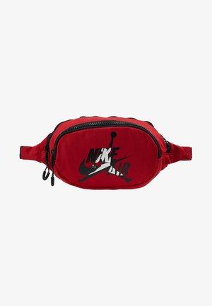 JUMPMAN CLASSICS CROSSBODY - Bum bag - gym red