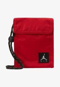 Jordan - TRI FOLDPOUCH - Lompakko - gym red - 1