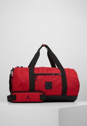 DUFFLE - Borsa per lo sport - gym red