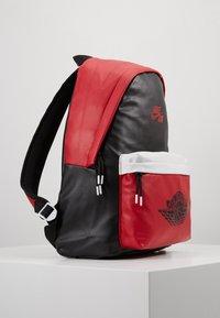 Jordan - AJ PACK - Sac à dos - black/gym red - 4