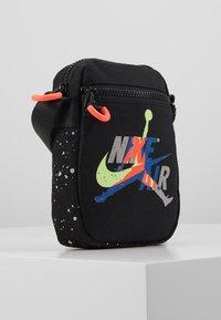 Jordan - JUMPMAN CLASSICSFESTIVAL BAG - Across body bag - multi - 4