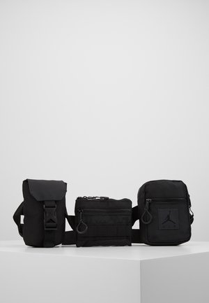 MULTI CROSSBODY - Sac banane - black