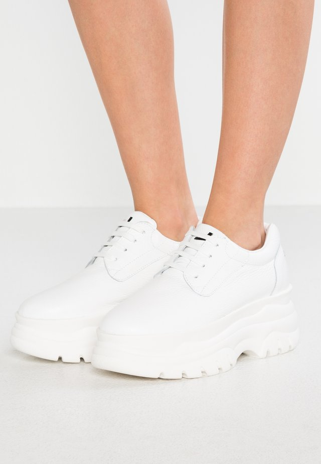 SPICE UP - Sneakers - dollar white