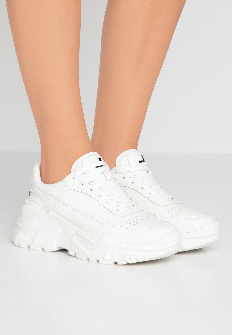 Joshua Sanders - ZENITH CLASSIC DONNA SPACE - Sneakersy niskie - white