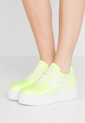 LIBERTY DONNA - Trainers - yellow