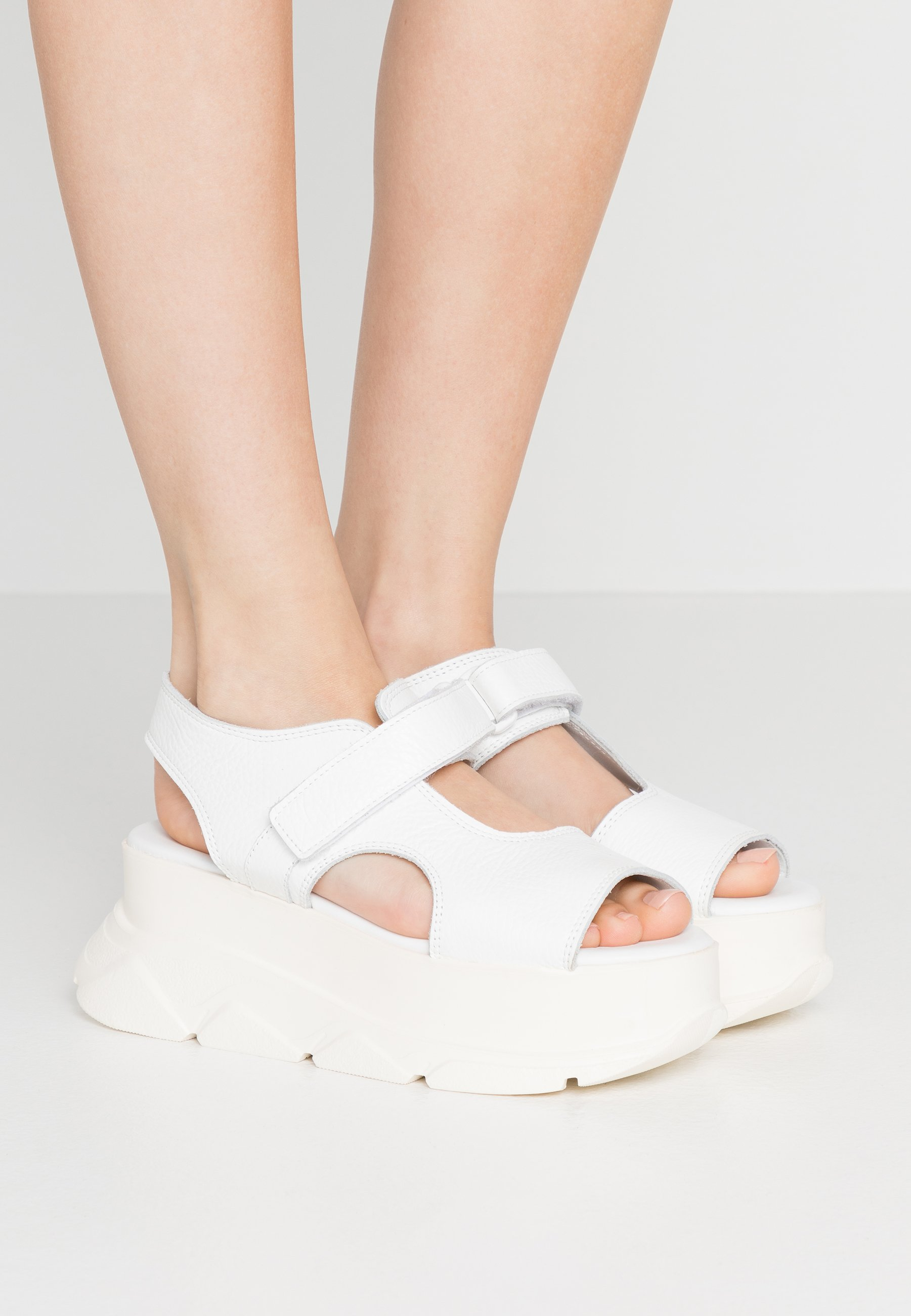 Joshua Sanders SPICE WEDGE  - Plateausandalette - white | Damen Schuhe 2020