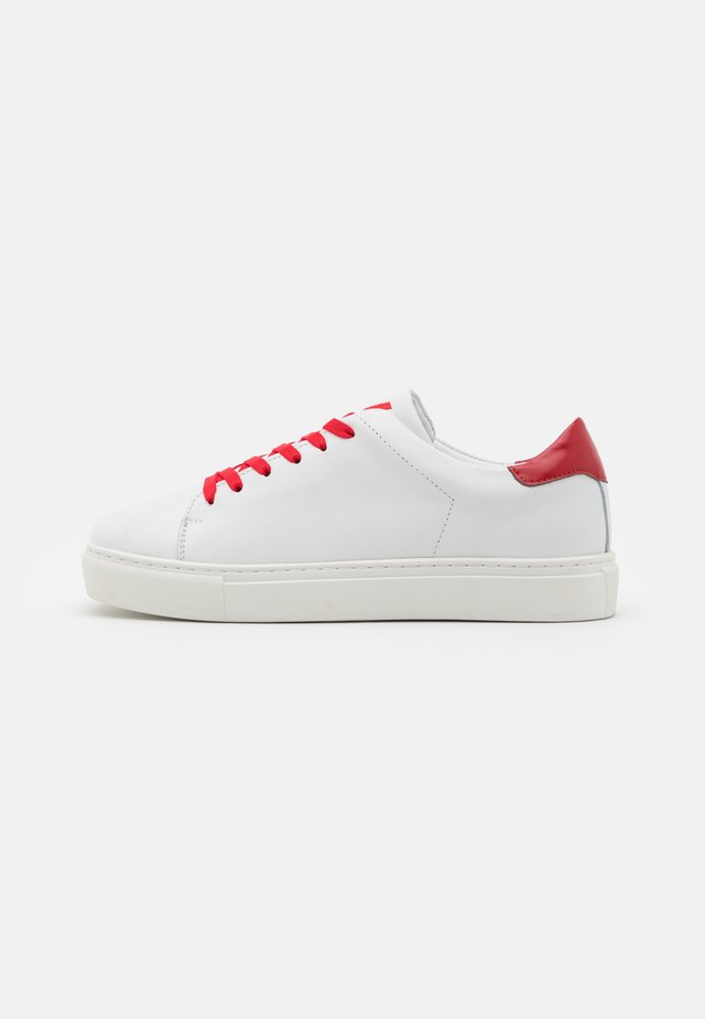 SQUARED SHOES  - Sneakers - white
